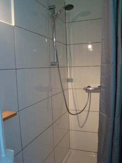 salle de douche, (wc séparé)